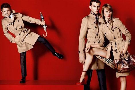 Romeo Beckham aterriza en el mundo de la moda como imagen de Burberry para primavera 2013