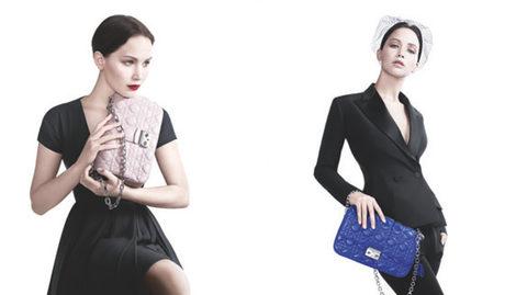 Jennifer Lawrence posando con los modelos Miss Dior primavera/verano 2013