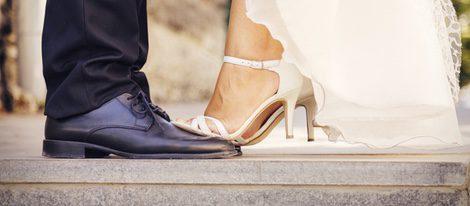 Olvídate de llevar botines con un vestido tradicional o incluso con uno corto