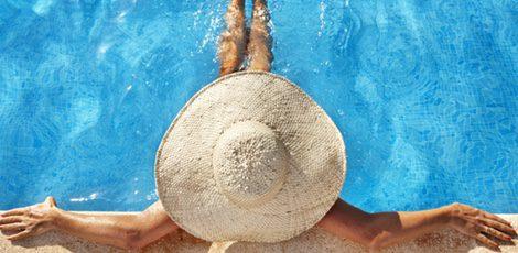 Además de protegernos del sol, el sombrero es un complemento ideal