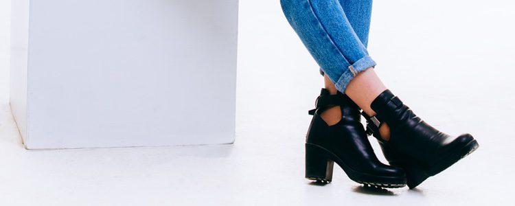 Es mejor combinar los botines con un pantalón pitillo