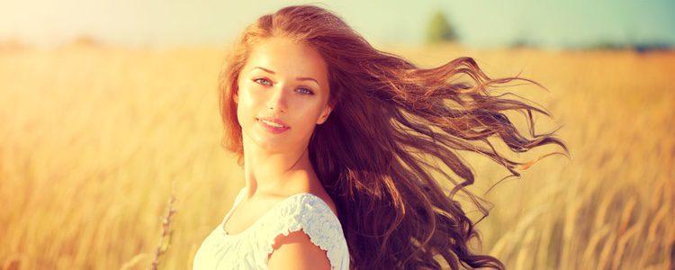 Tu pelo también te puede ayudar a parecer más alta
