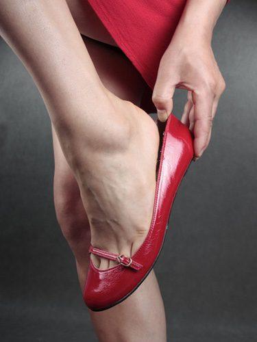 Lo mejor es dejar a un lado los tacones y optar por calzado cómodo