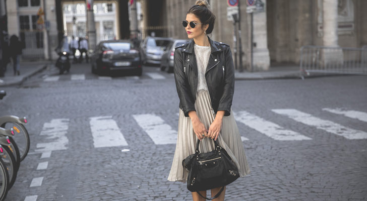 La bloguera Trendy Taste con falda midi