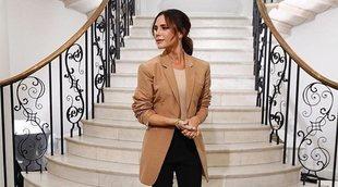 Colores neutros y tejidos fluidos, las claves de la colección otoño/invierno 2020-21 de Victoria Beckham en Londres