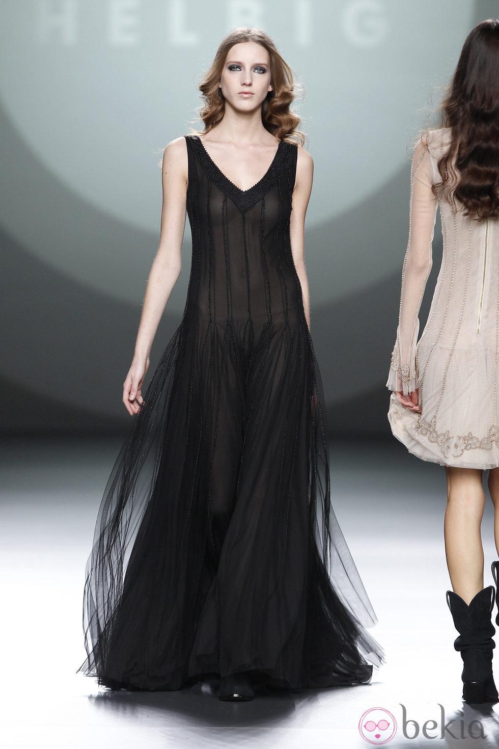 Vestido largo negro con transparencias de Teresa Helbig en Fashion