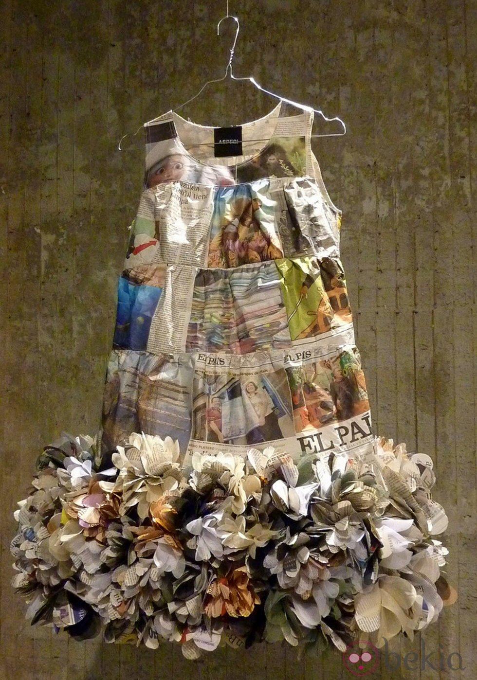 Vestido De Papel Reciclado