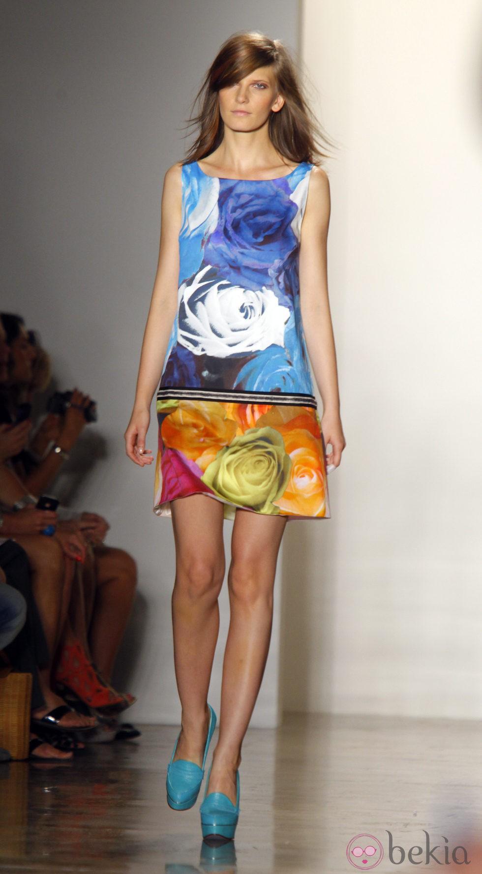 Diseño con estampado floral de Peter Som, colección primavera de 2012