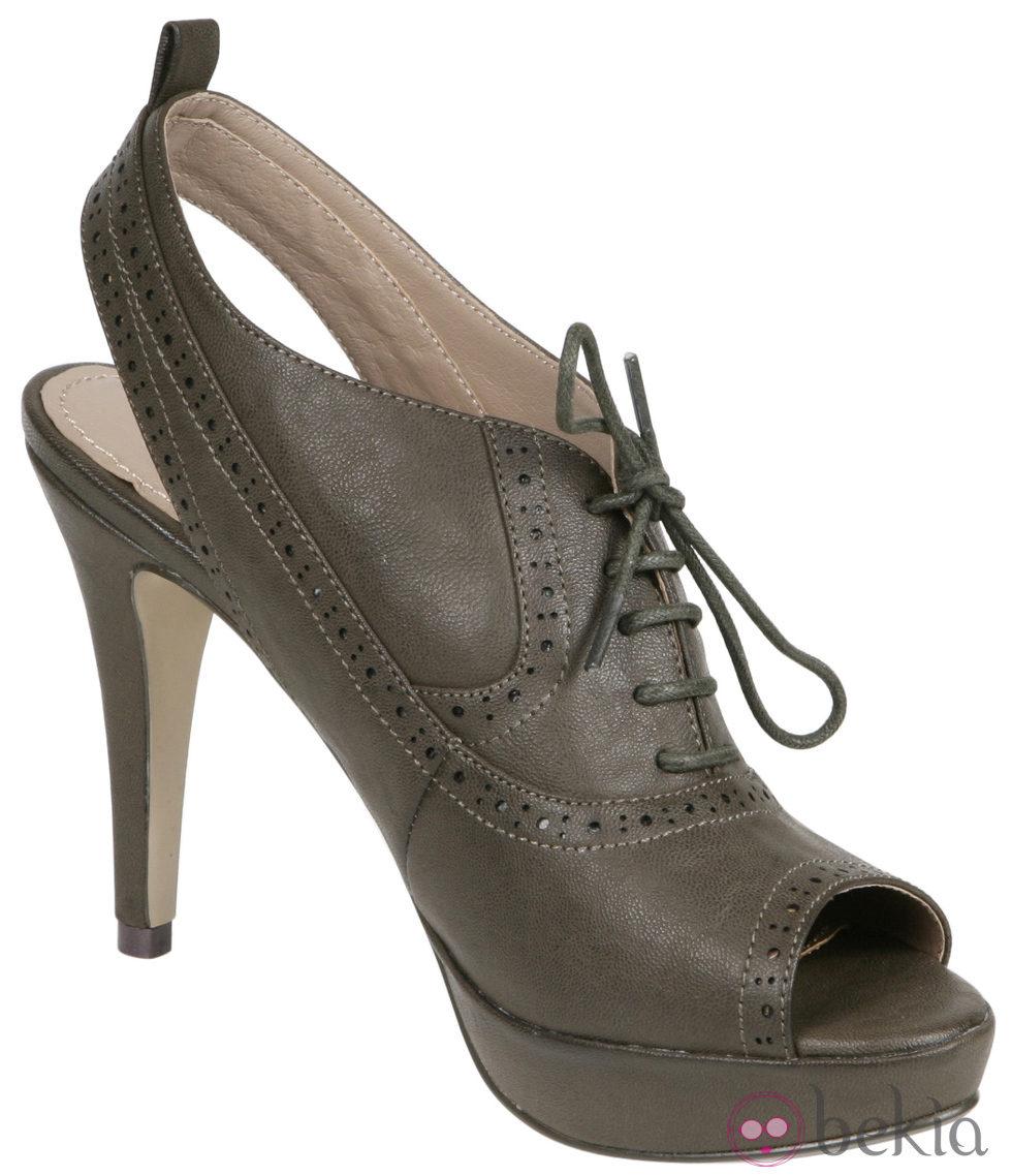 - 7684_botines-peep-toe-verdes-de-lorena-carreras-coleccion-otonoinvierno-2011